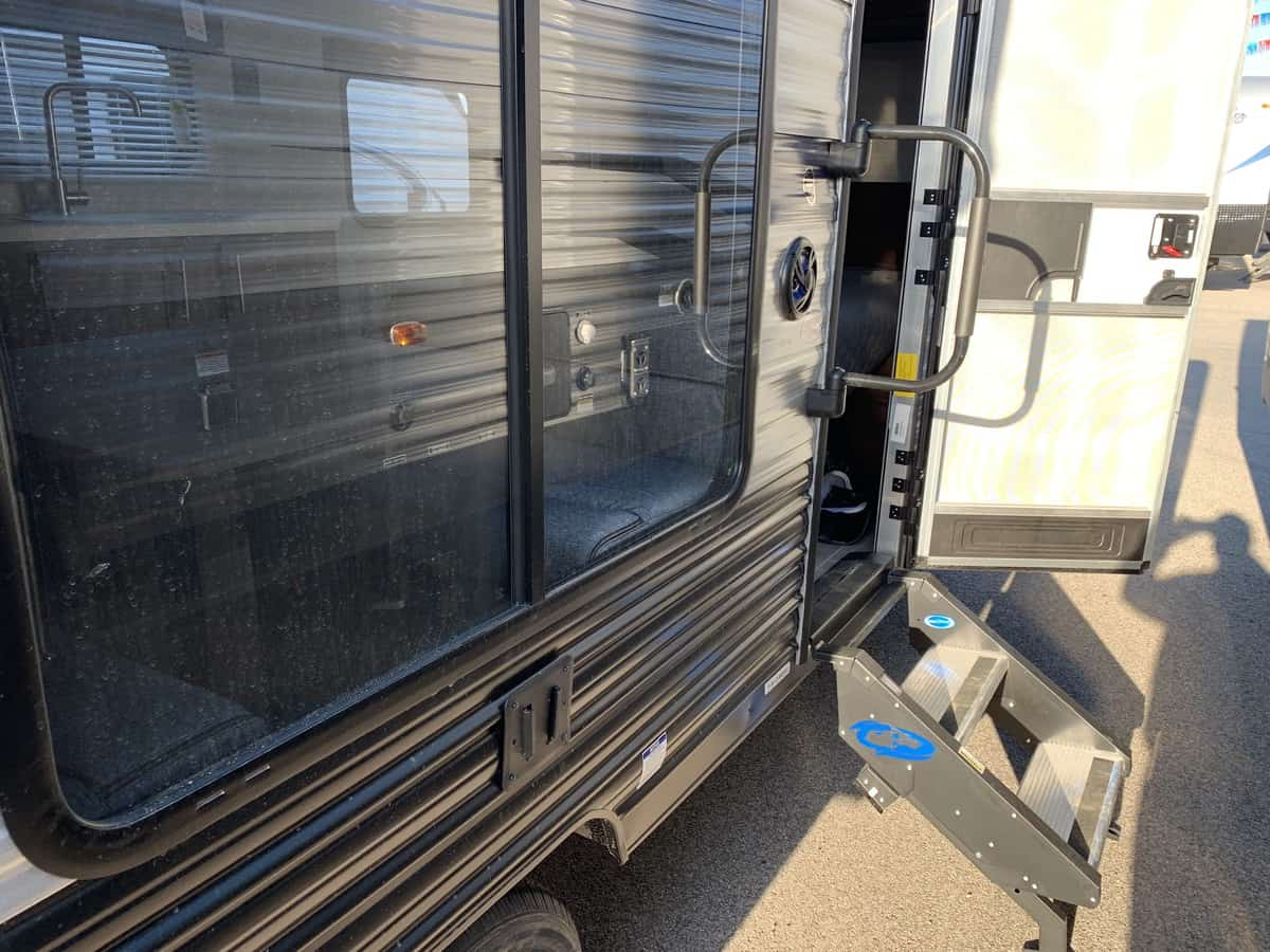 NEW 2019 Forest River CHEROKEE WOLF PUP 16FQ - American RV