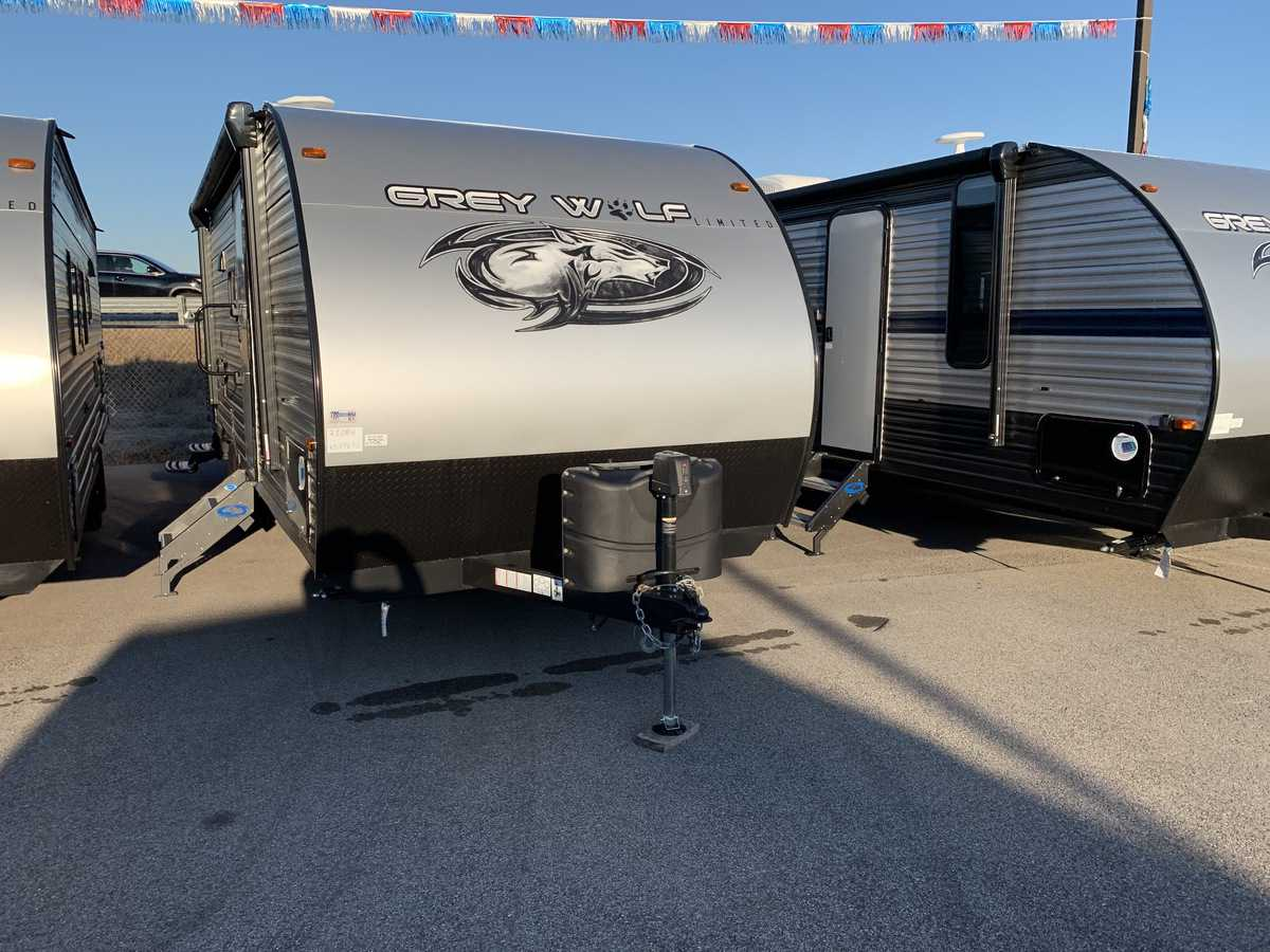 NEW 2019 Forest River CHEROKEE GREY WOLF 23DBH - American RV