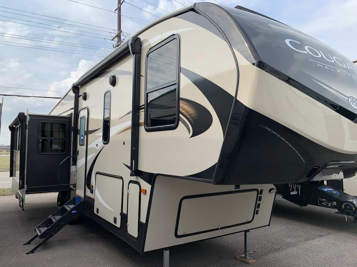 NEW 2019 Keystone COUGAR HALF-TON 29RES - American RV