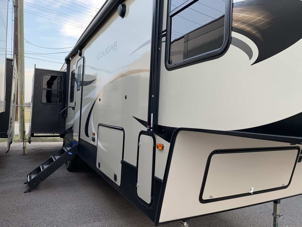 NEW 2019 Keystone COUGAR 362RKS - American RV