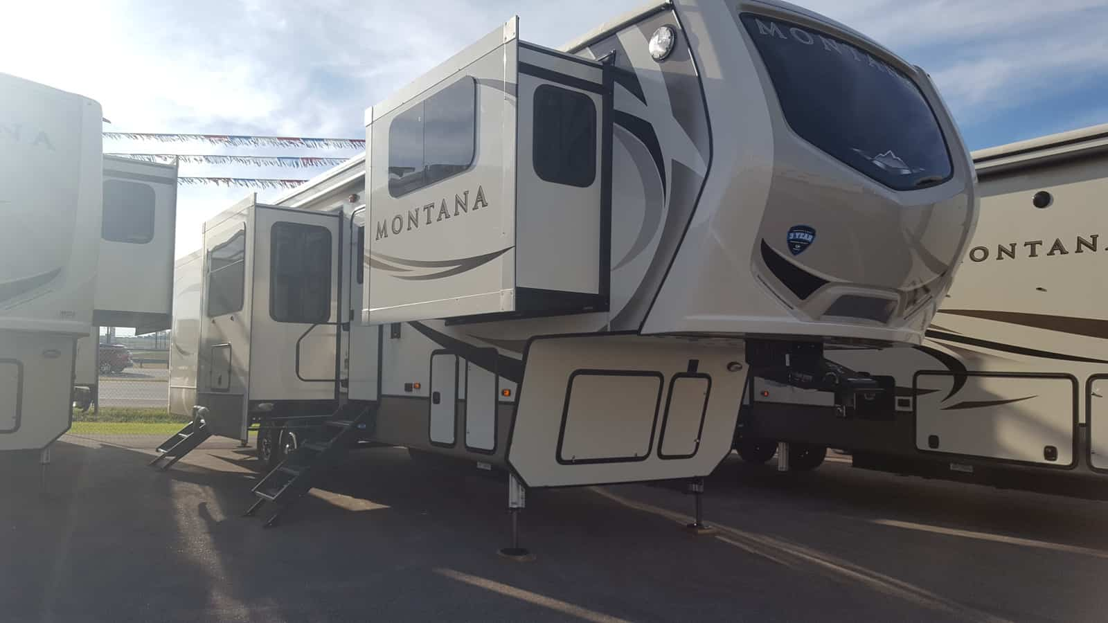 NEW 2018 Keystone MONTANA 3730FL - American RV