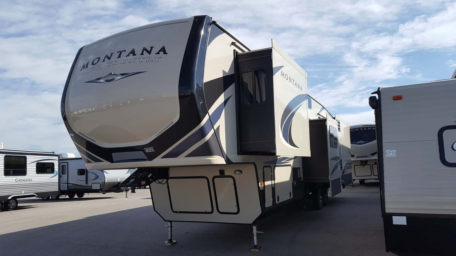 NEW 2018 Keystone MONTANA HIGH COUNTRY 384BR - American RV