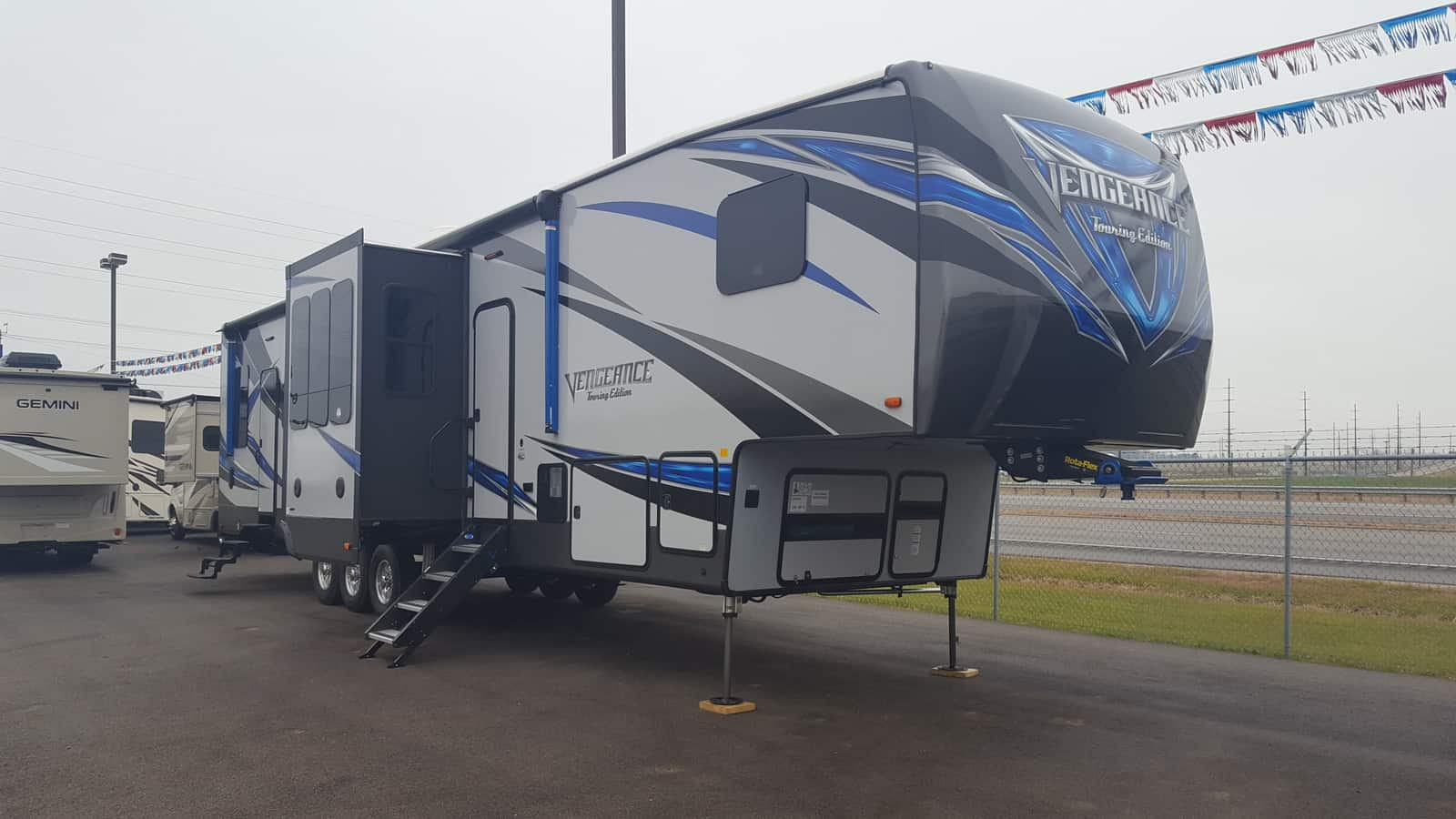 NEW 2018 Forest River VENGEANCE 395KB - American RV