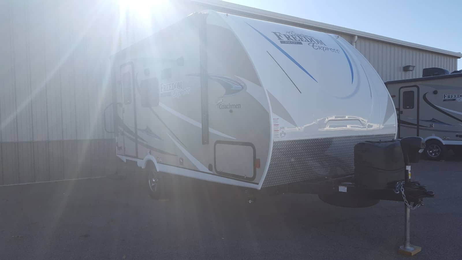NEW 2018 Coachmen FREEDOM EXPRESS 19FBS - American RV