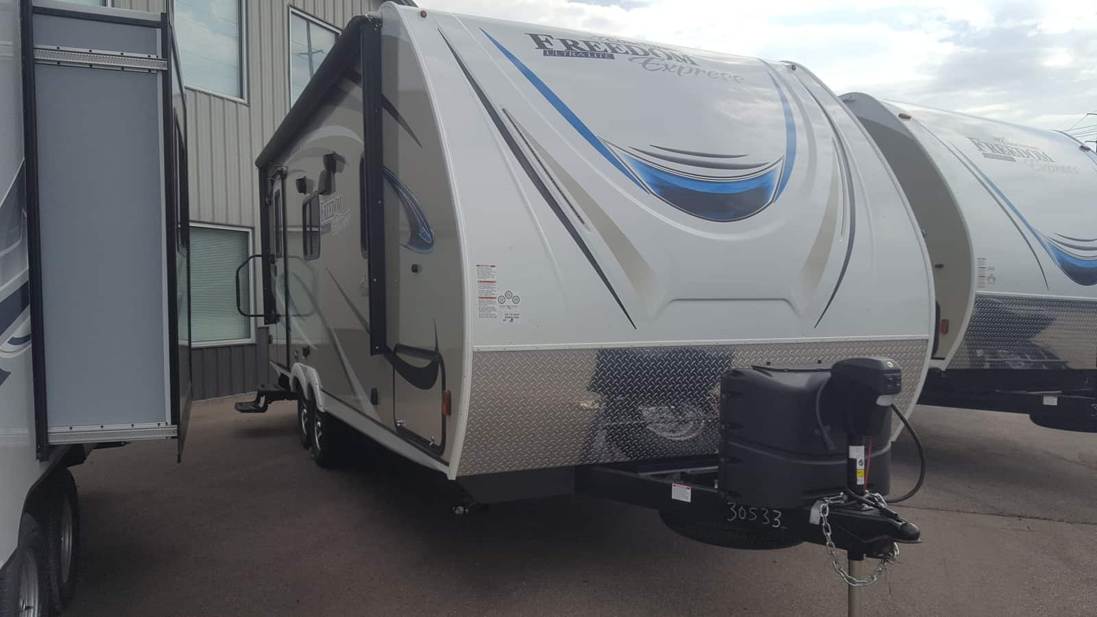 NEW 2018 Coachmen FREEDOM EXPRESS 204RD - American RV