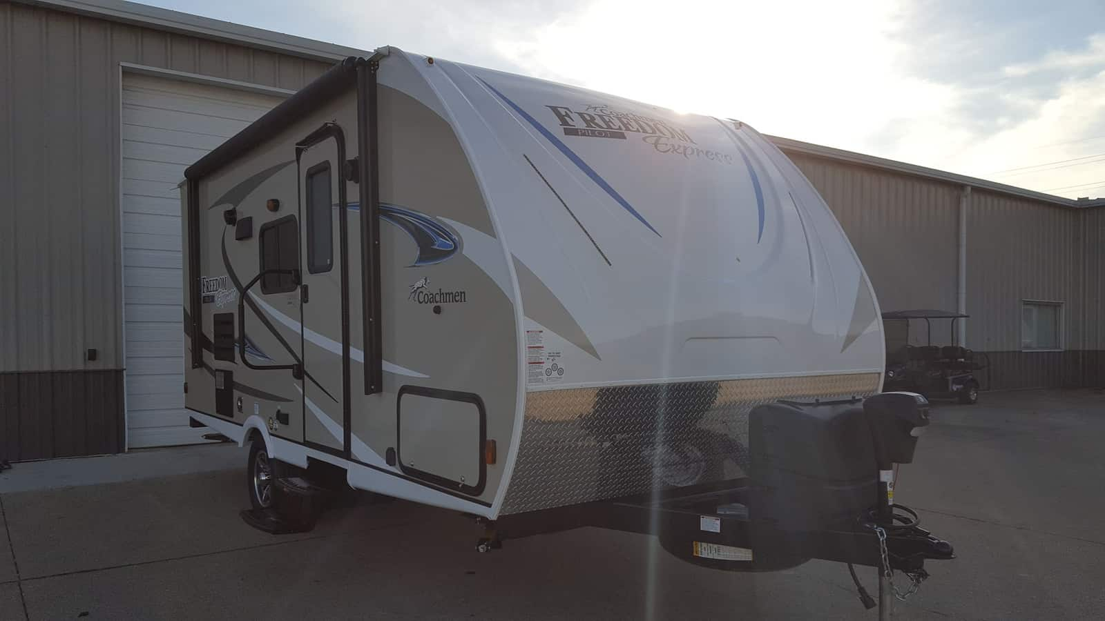 NEW 2018 Coachmen FREEDOM EXPRESS 20BHS - American RV