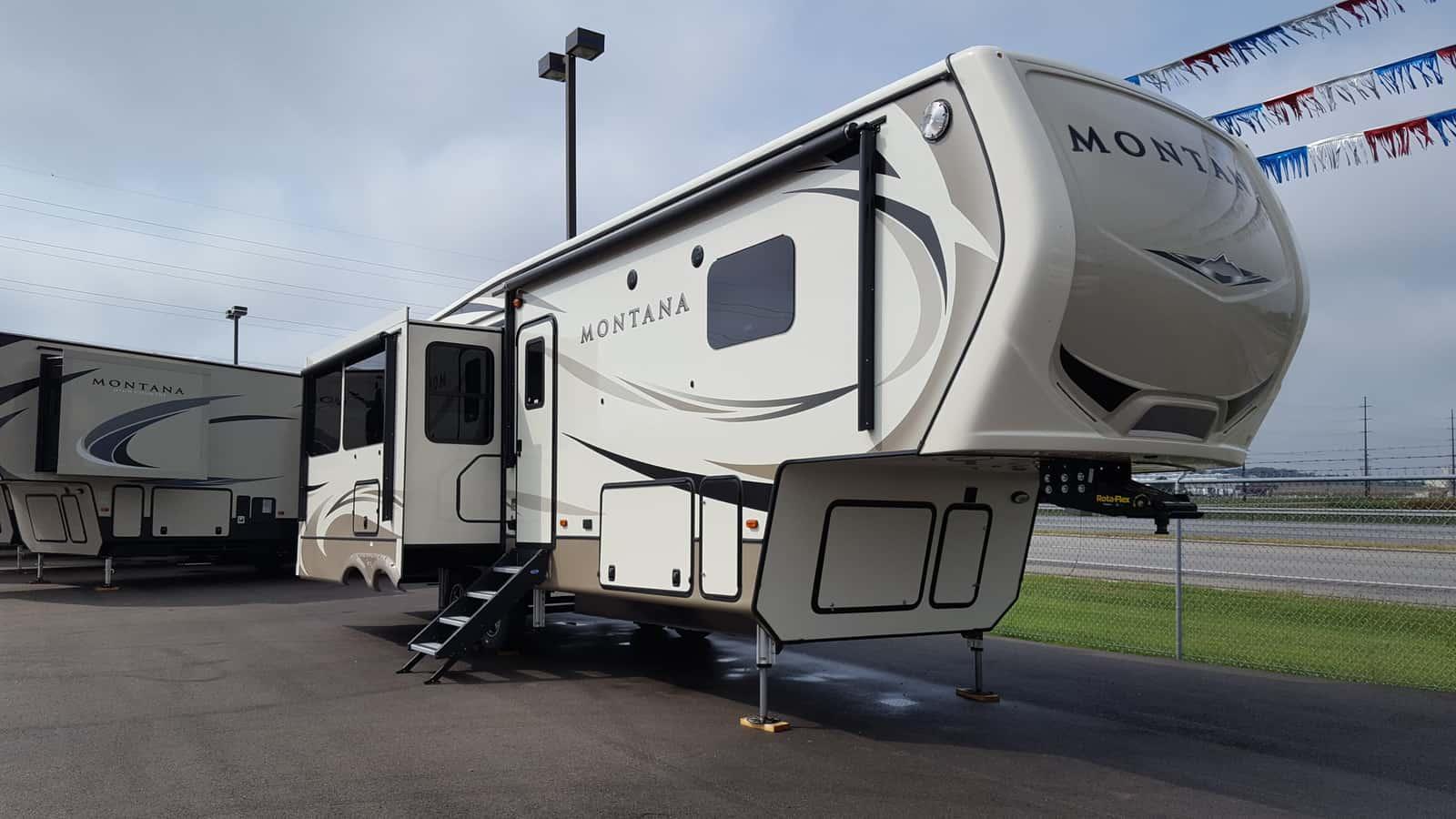 NEW 2018 Keystone MONTANA 3120RL - American RV