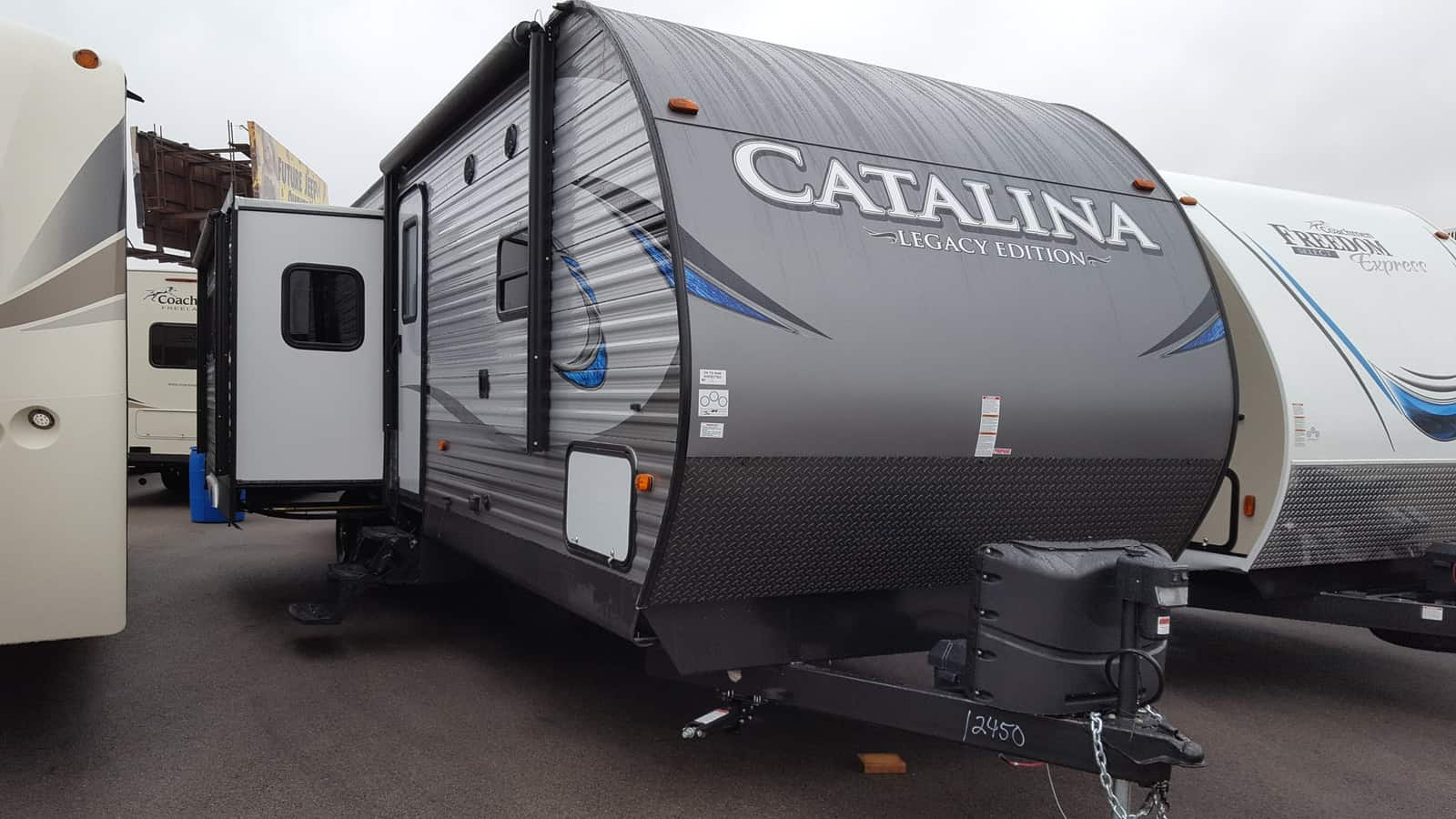NEW 2018 Coachmen CATALINA 333BHTSCKLE - American RV