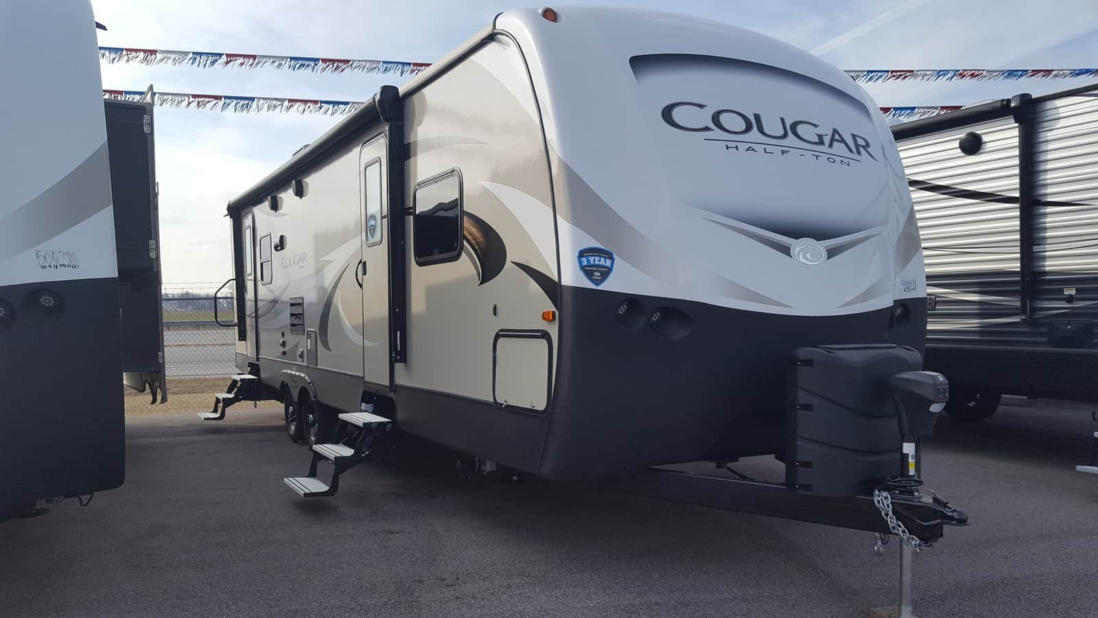 NEW 2018 Keystone COUGAR HALF-TON 29RLD - American RV