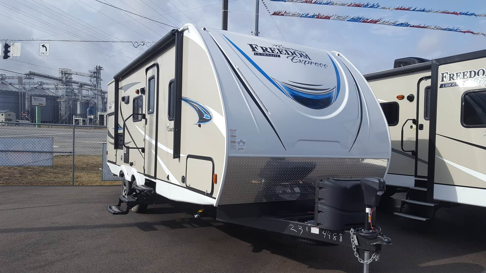 NEW 2018 Coachmen FREEDOM EXPRESS 231RBDS - American RV