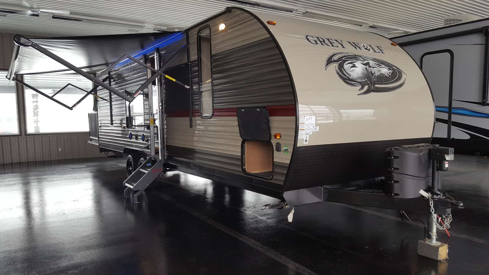 NEW 2018 Forest River CHEROKEE GREY WOLF 26RR - American RV