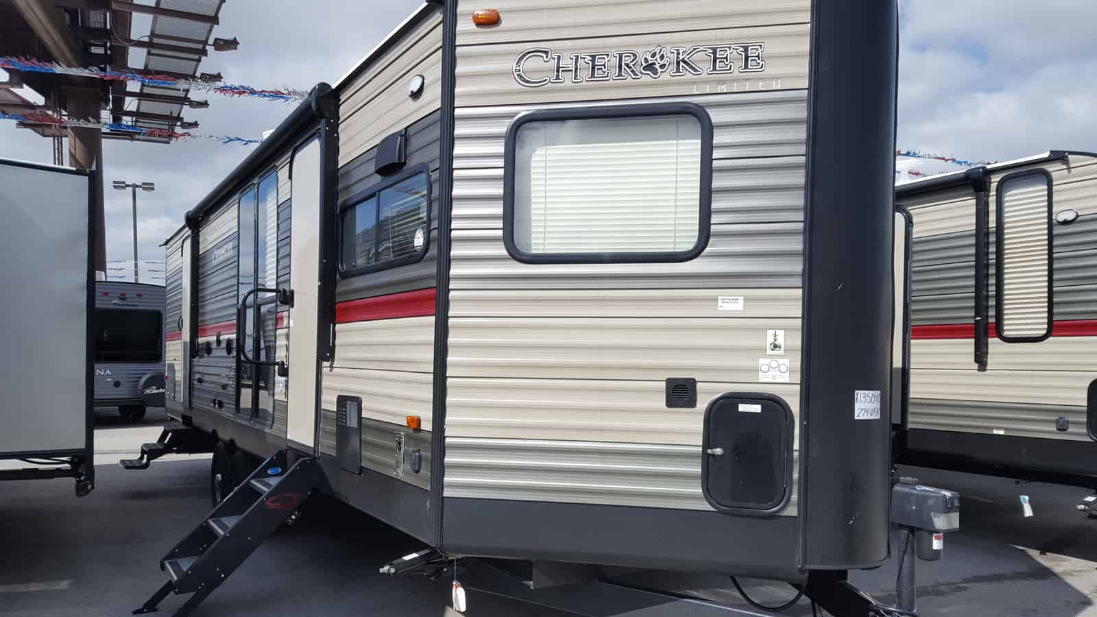 NEW 2018 Forest River CHEROKEE 274VFK - American RV