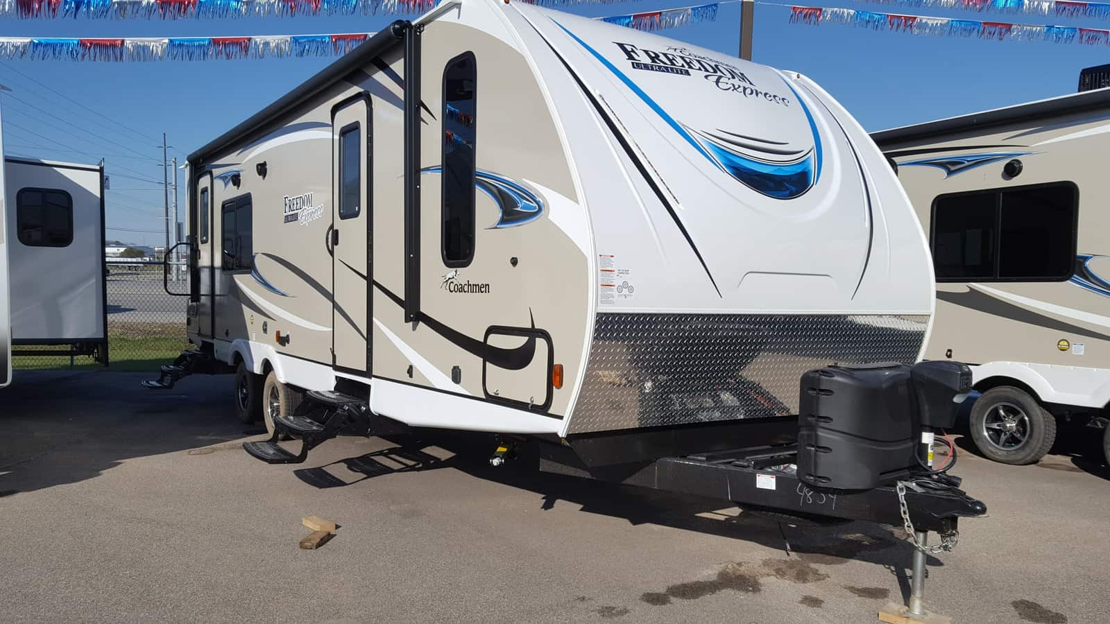 NEW 2018 Coachmen FREEDOM EXPRESS 276RKDS - American RV