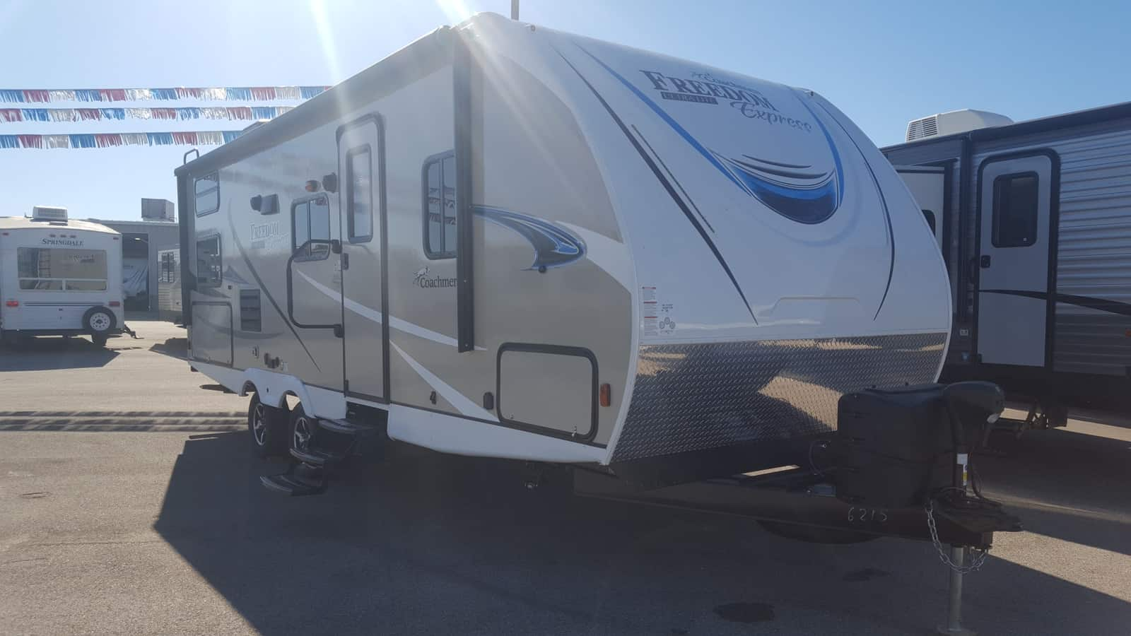 NEW 2019 Coachmen FREEDOM EXPRESS 257BHS - American RV