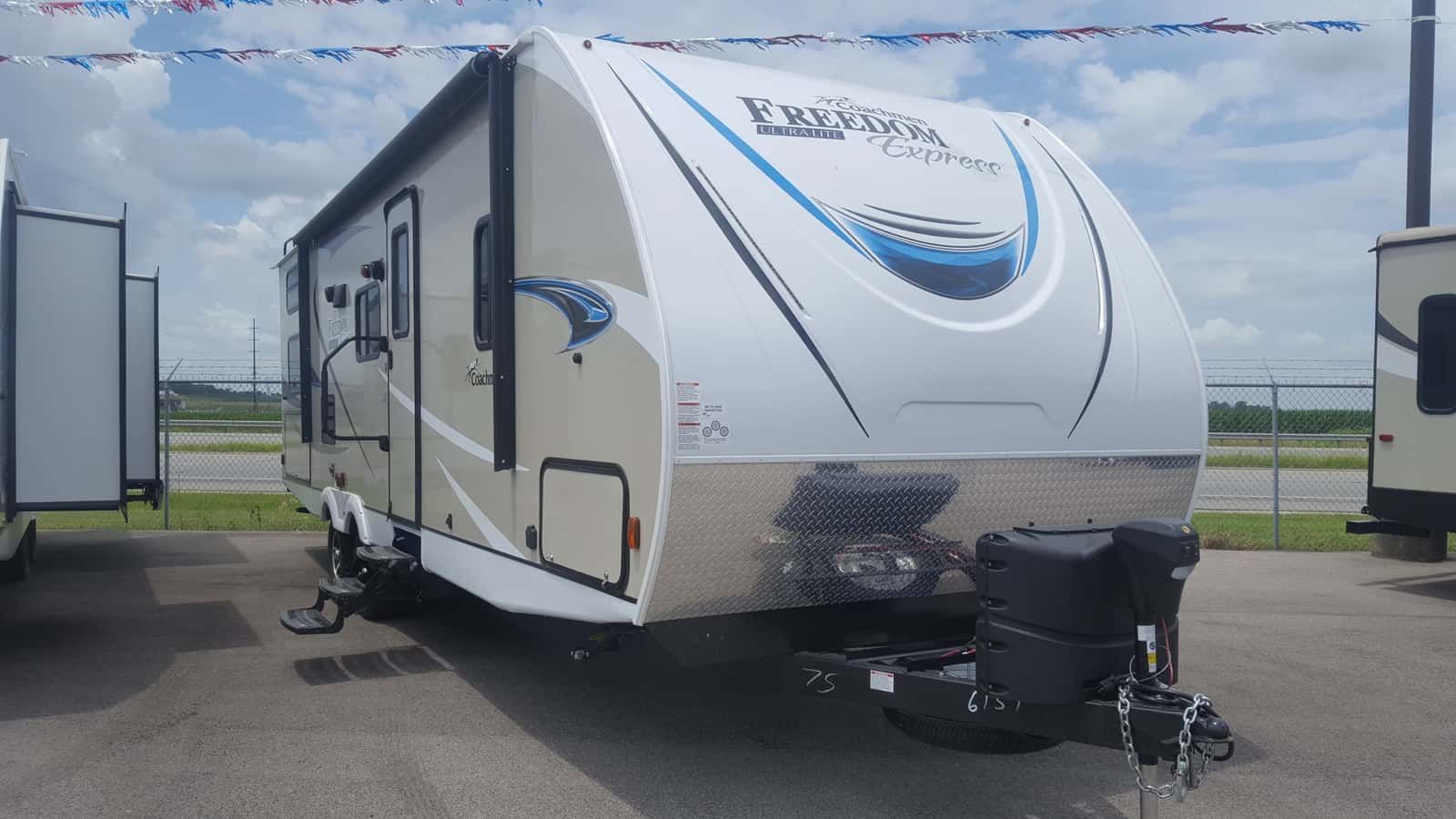 NEW 2019 Coachmen FREEDOM EXPRESS 275BHS - American RV