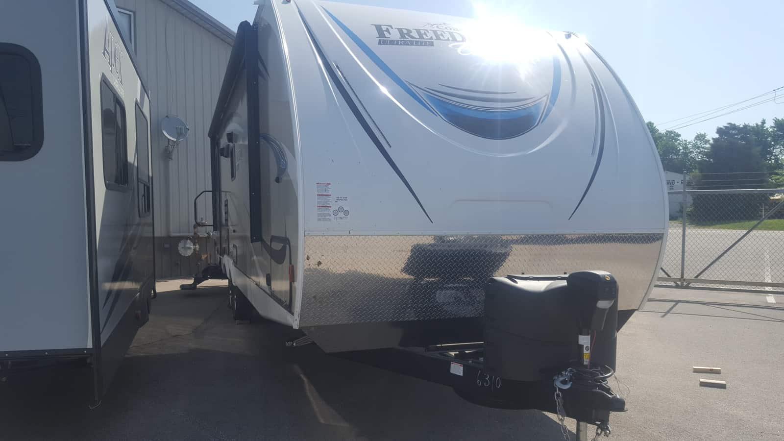 NEW 2019 Coachmen FREEDOM EXPRESS 279RLDS - American RV