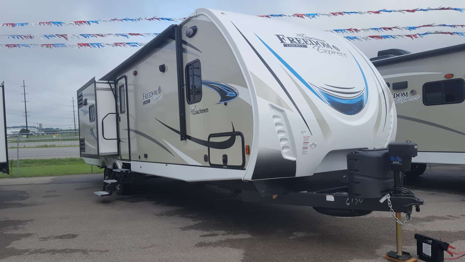 NEW 2019 Coachmen FREEDOM EXPRESS 320BHDSLE - American RV