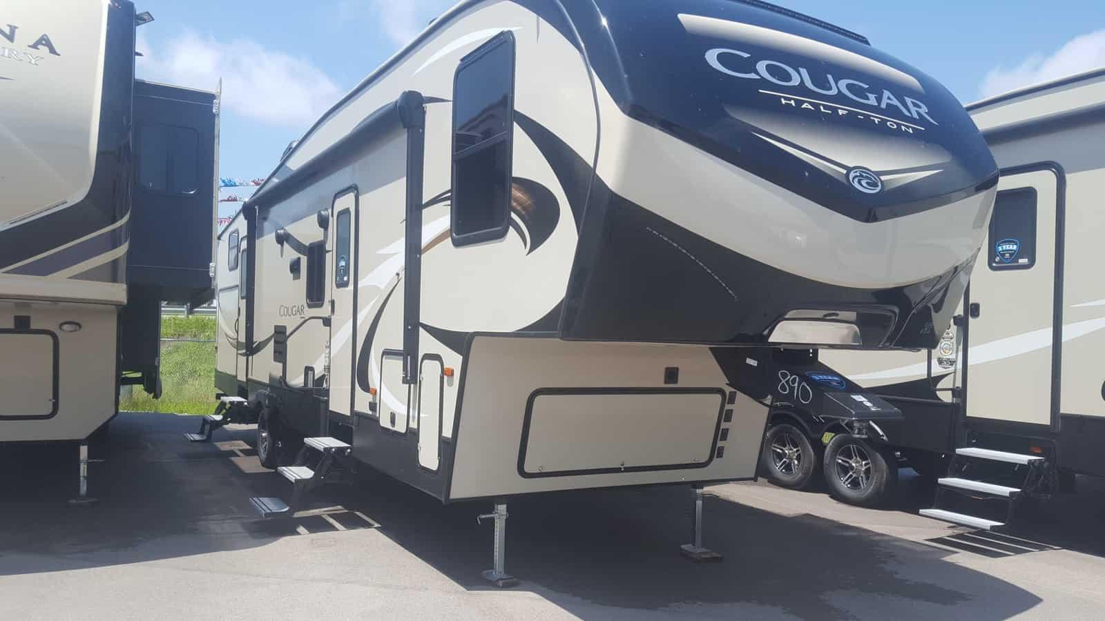 NEW 2019 Keystone COUGAR HALF-TON 32BHS - American RV