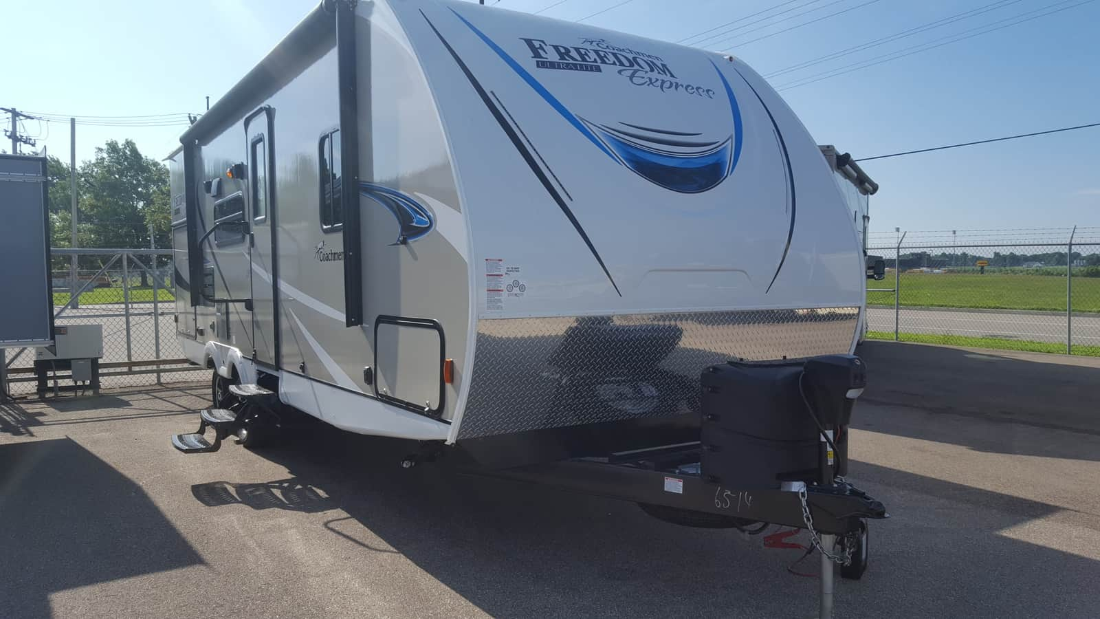 NEW 2019 Coachmen FREEDOM EXPRESS 248RBS - American RV