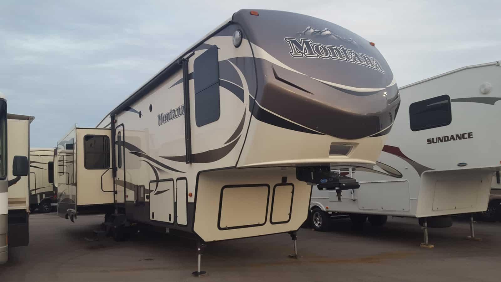USED 2016 Keystone MONTANA 3721RL - American RV