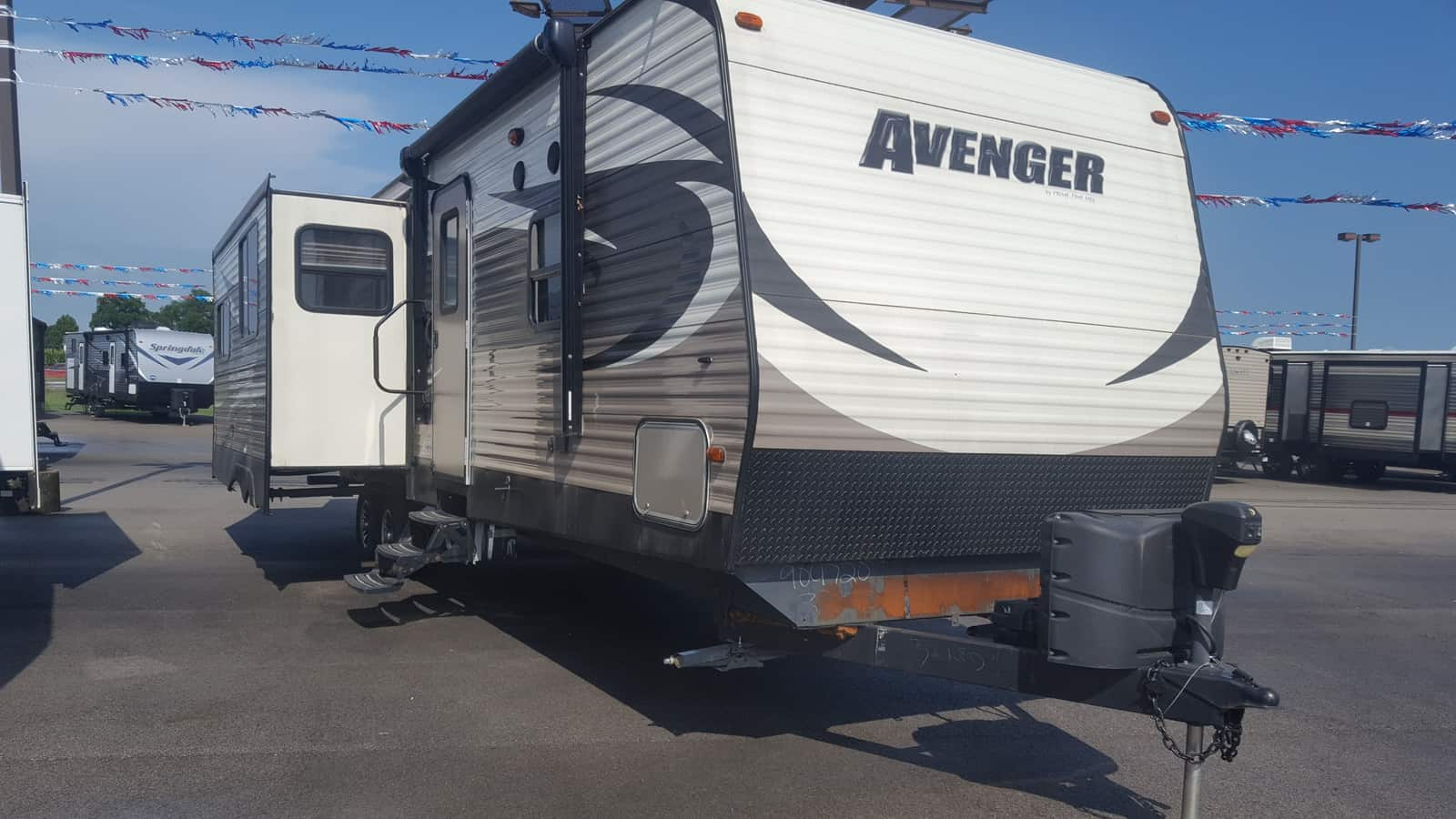 USED 2014 Prime Time AVENGER 32RED - American RV
