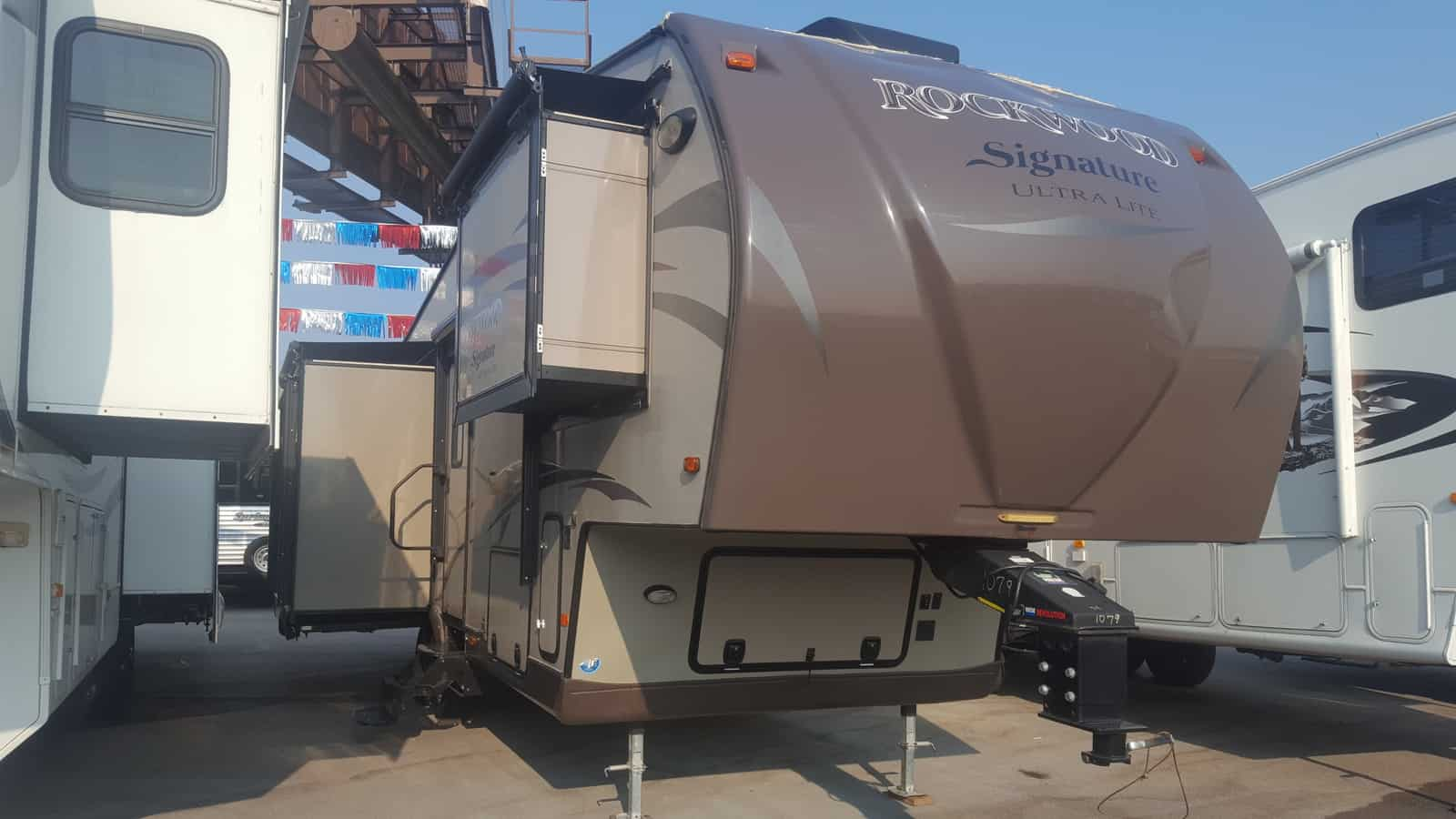 USED 2015 Forest River ROCKWOOD SIGNATURE 8289WS - American RV