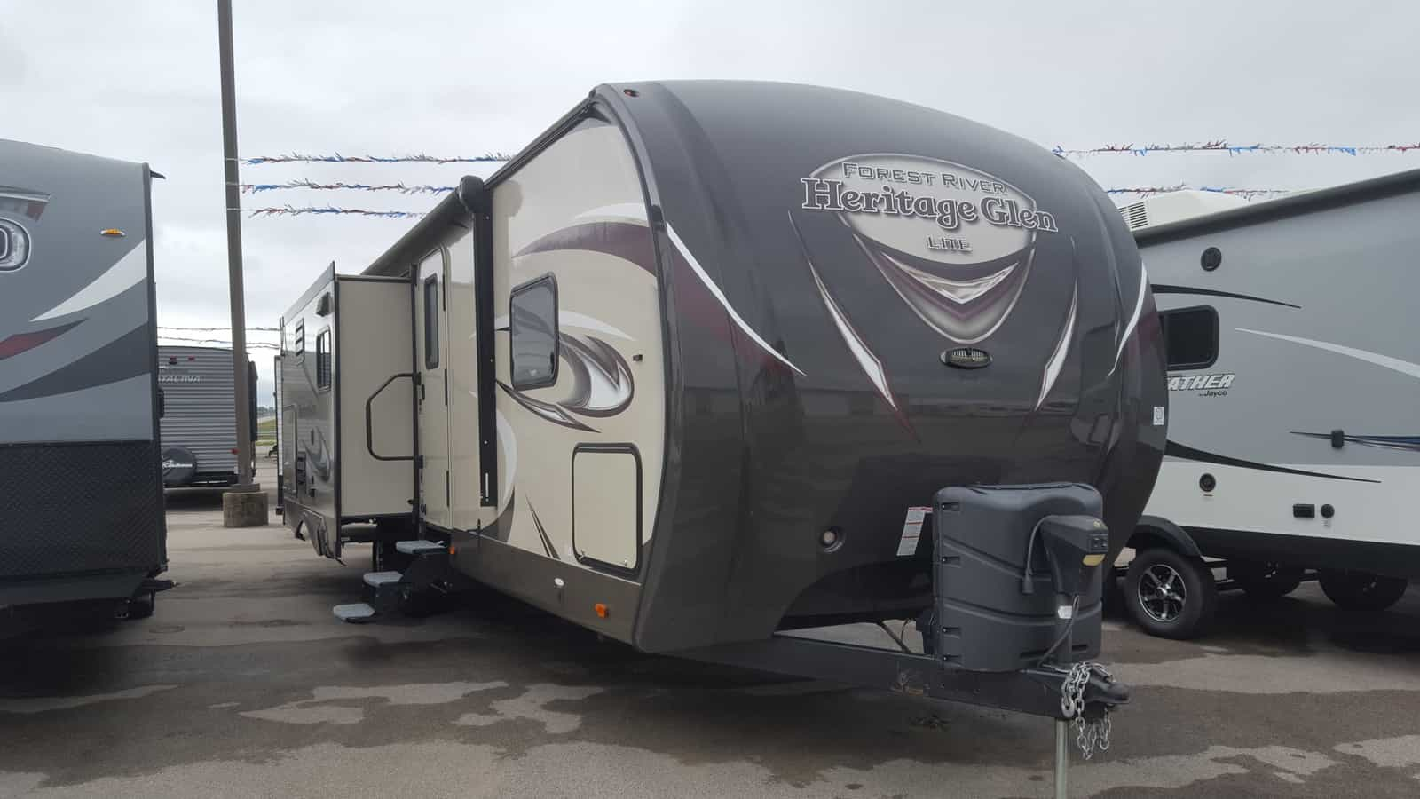 USED 2015 Forest River HERITAGE GLEN 272RLIS - American RV