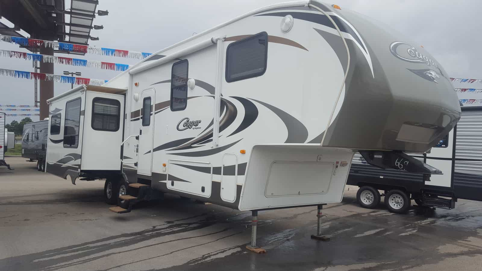 USED 2012 Keystone COUGAR 327RES - American RV