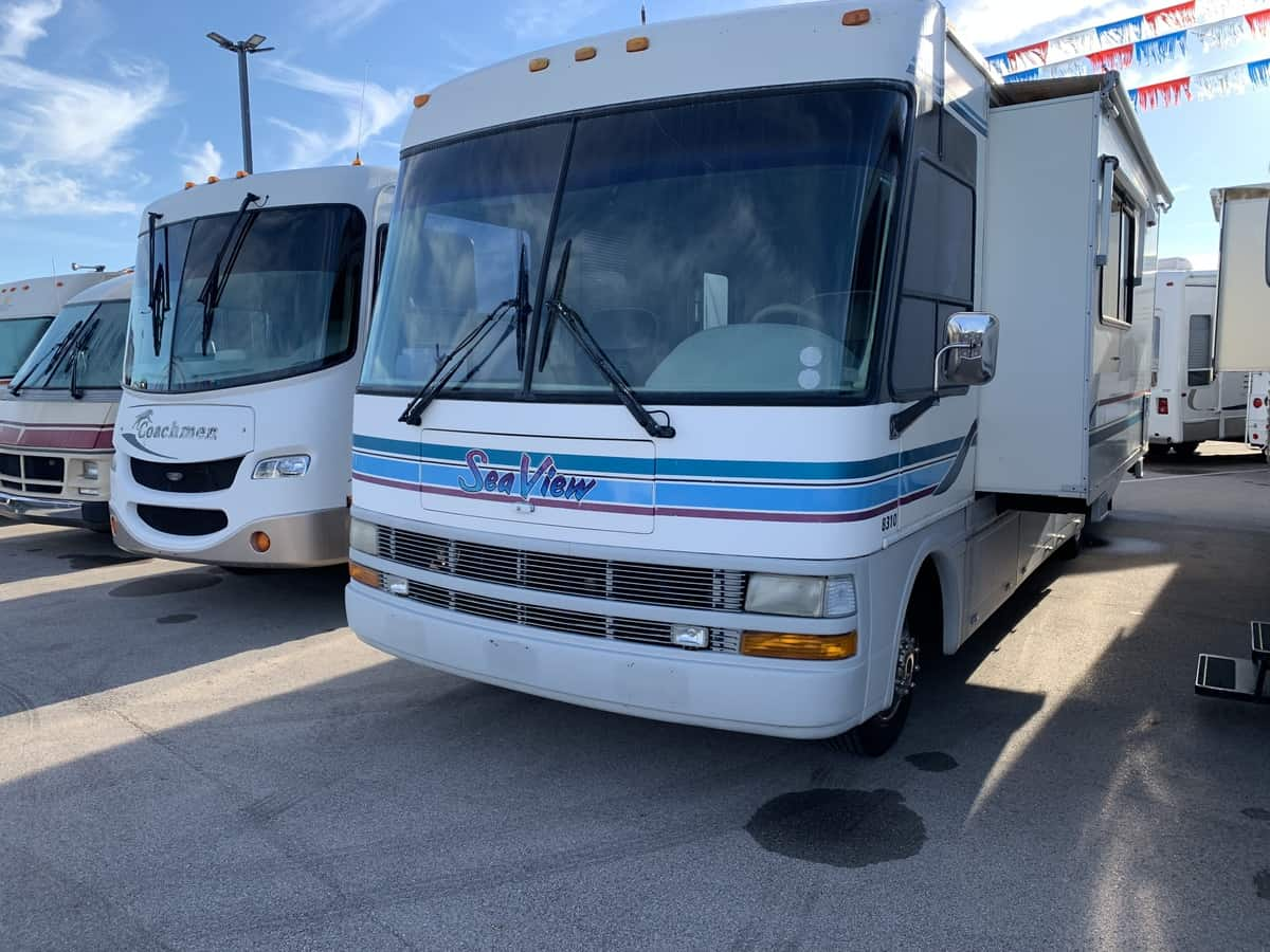 USED 1998 National Rv SEA VIEW 8310 - American RV