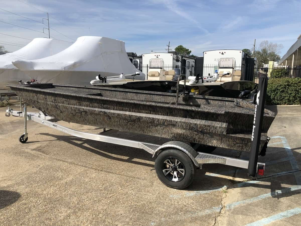 NEW 2019 Xpress BAYOU 17 17