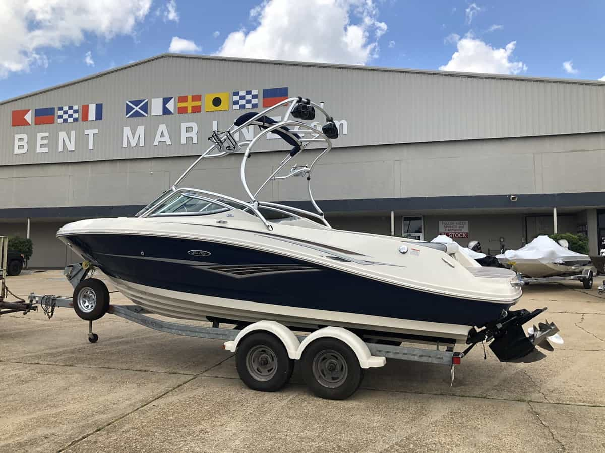 New  2010 Sea Ray Select 230 Boat Engine in Metairie,