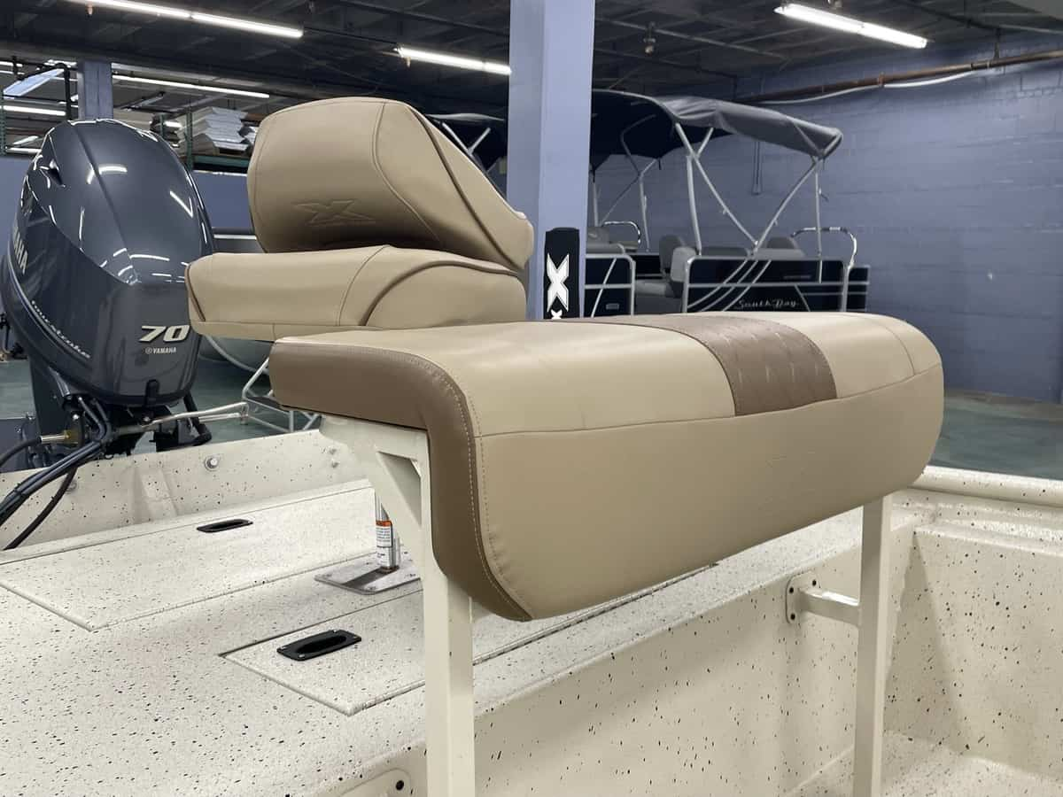 New  2021 18' Xpress Xp18 Cc Boat Engine in Metairie,