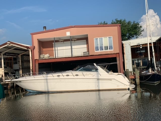 New  1995 55' Sea Ray 500 Sundancer  Boat Engine in Metairie,