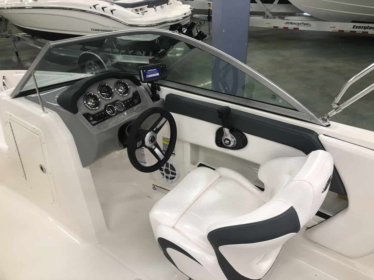 New  2021 19.4' Chaparral 19 Ssi Ski And Fish  Boat Engine in Metairie,