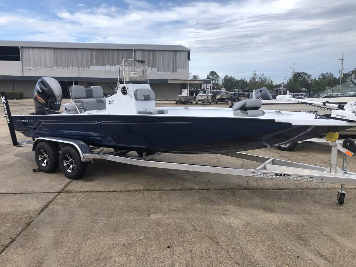 New  2022 22' Xpress H22b Hyper-lift Bay Boat Engine in Metairie,
