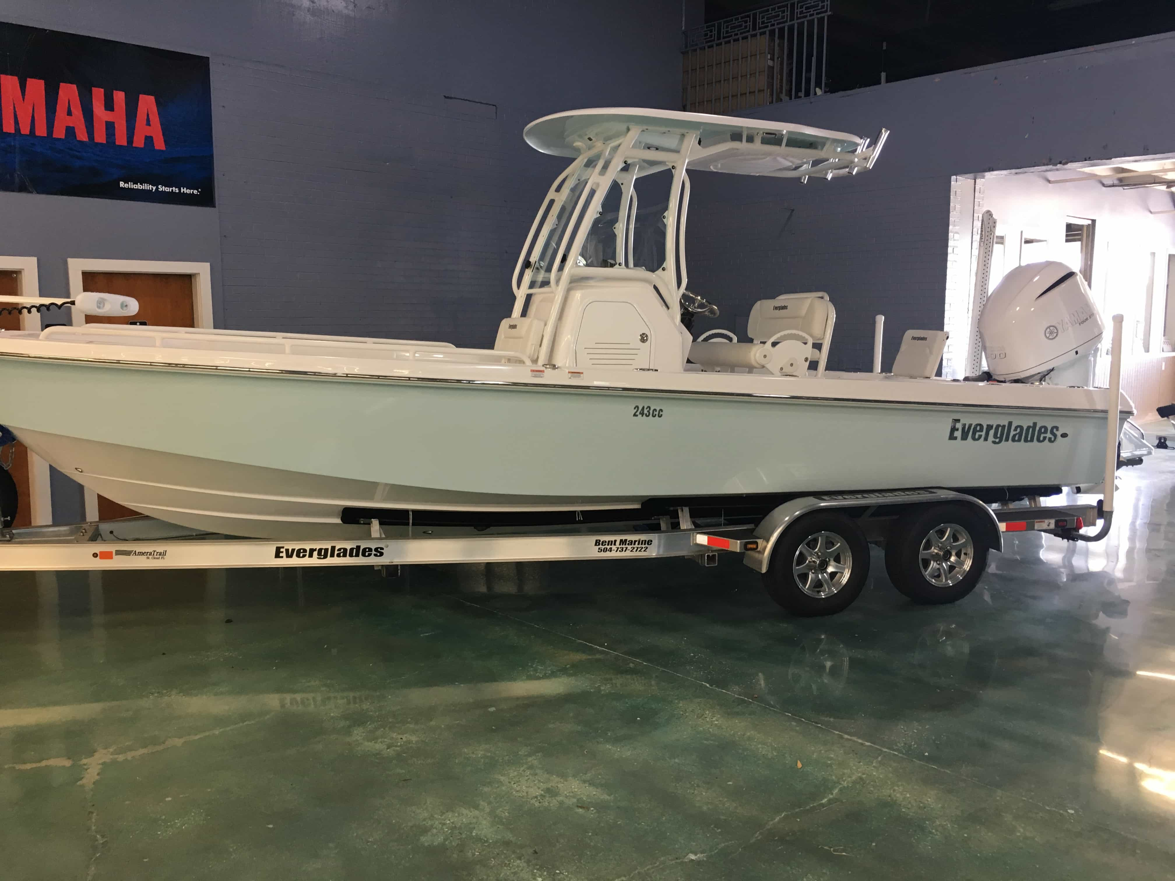NEW 2017 Everglades BAY BOAT 243CC