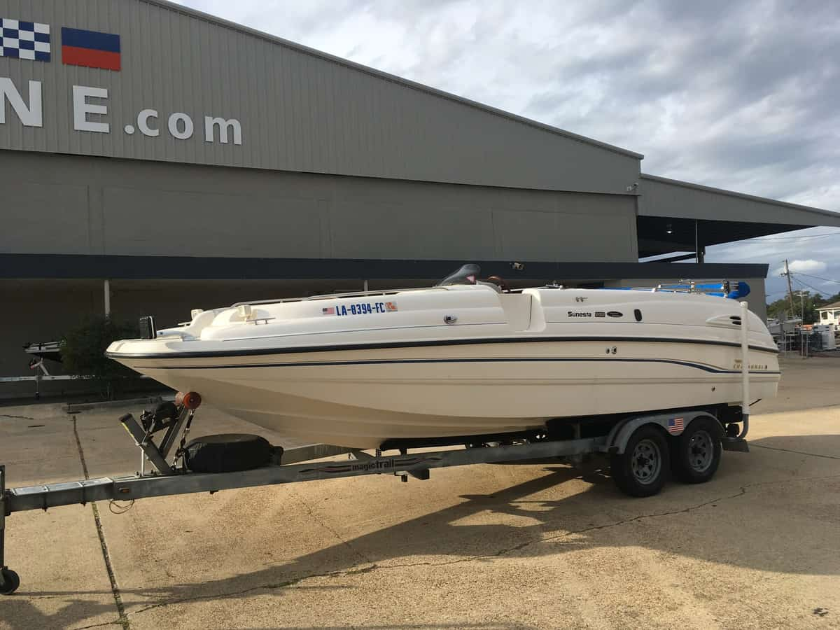 USED 1999 Chaparral 232 Sunesta