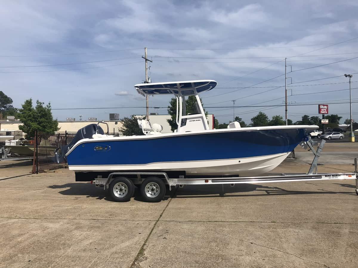 NEW 2018 Sea Hunt ULTRA 225