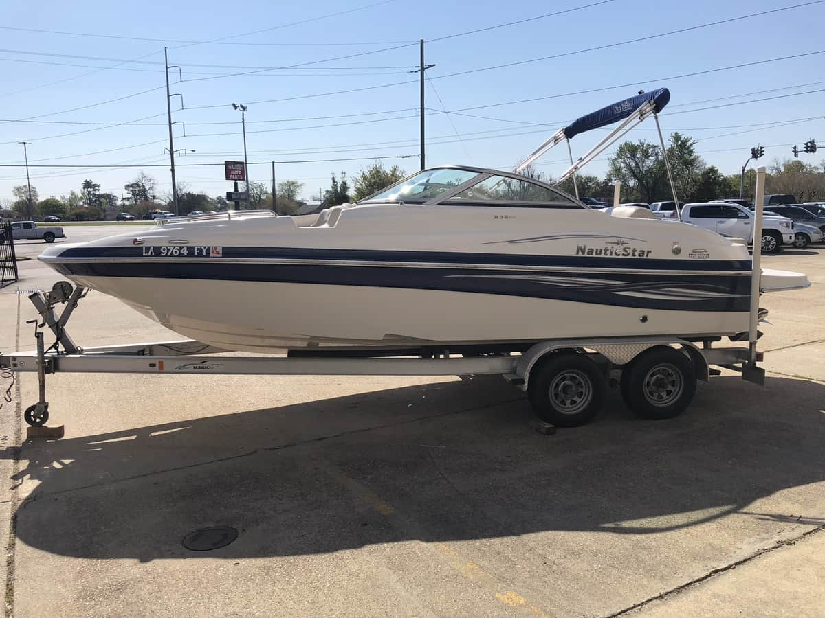 USED 2009 Nautic Star 232 DC