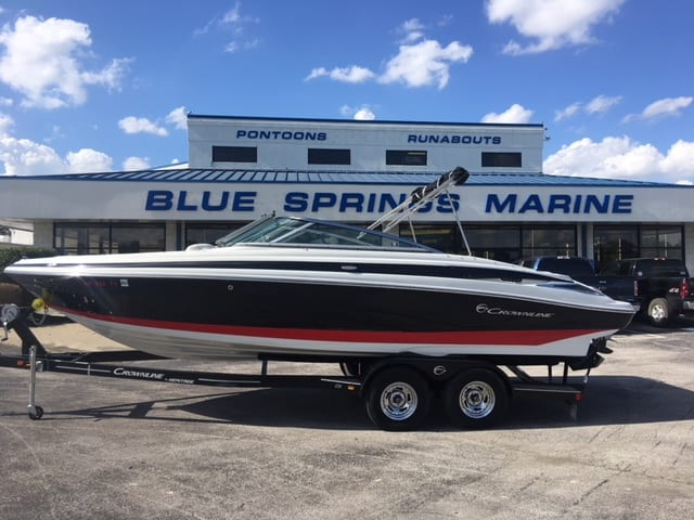 USED 2016 CROWNLINE 235SS