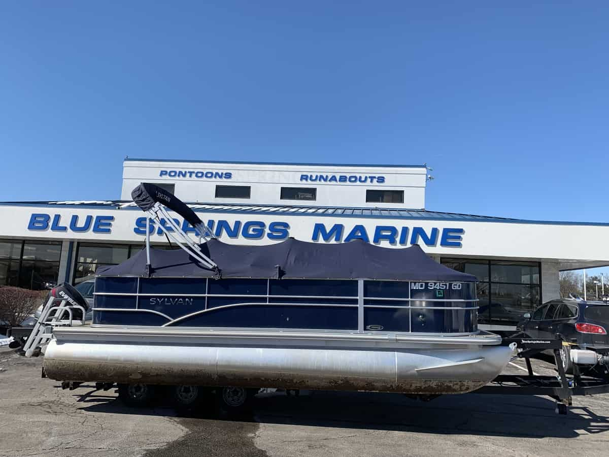 USED 2016 SYLVAN 820 CR