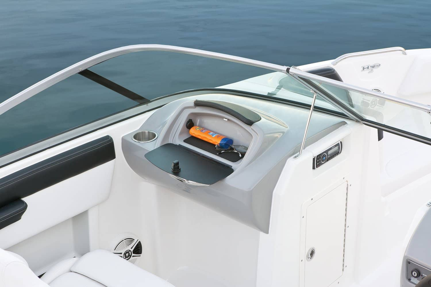 NEW 2018 CHAPARRAL 21 H20 SPORT .