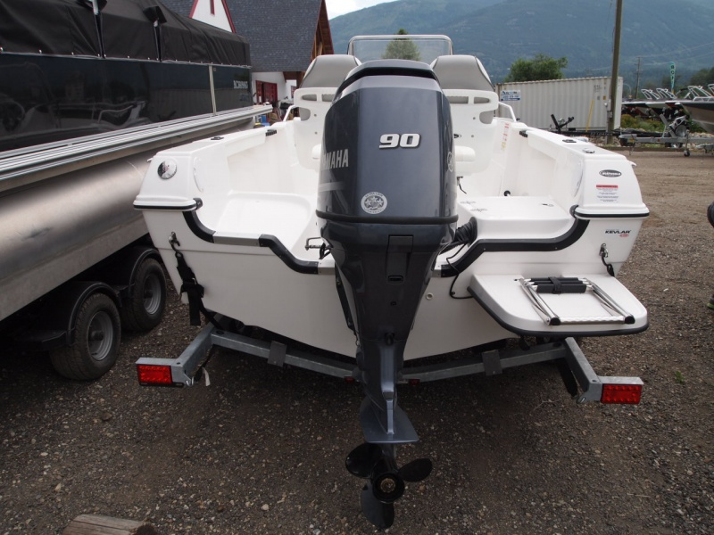 USED 2015 CAMPION Campion 492 W/ Yamaha F90 - Boathouse Marine