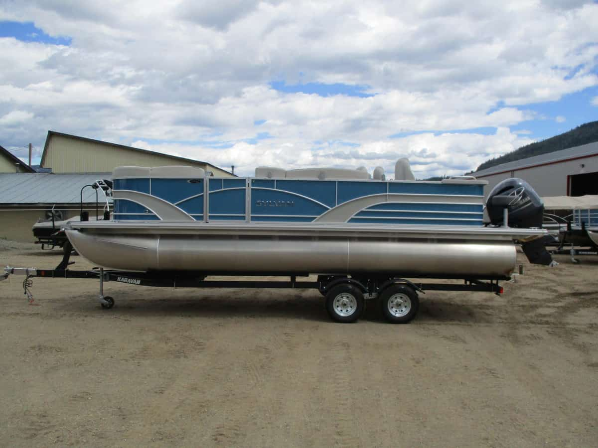 NEW 2018 SYLVAN 8522 ENTERTAINER TRI-TOON - Boathouse Marine