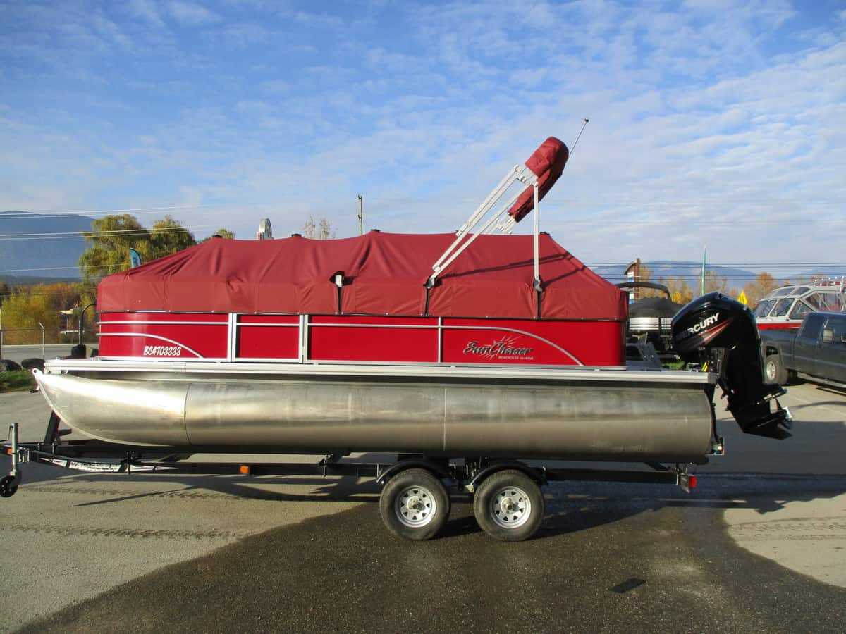 USED 2015 SUNCHASER 8520 C-N-F - Boathouse Marine