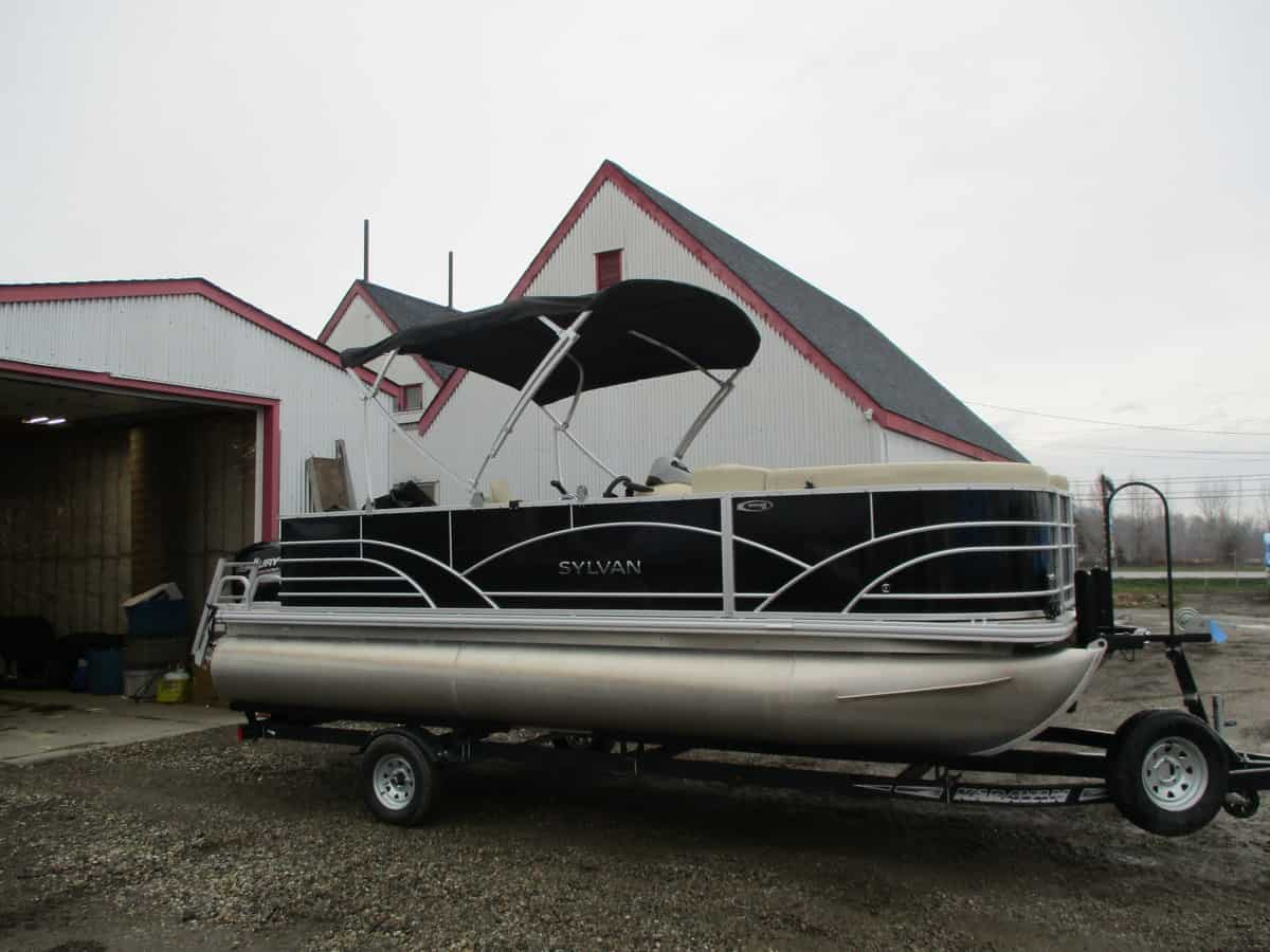 USED 2017 SYLVAN 820 CNF - Boathouse Marine