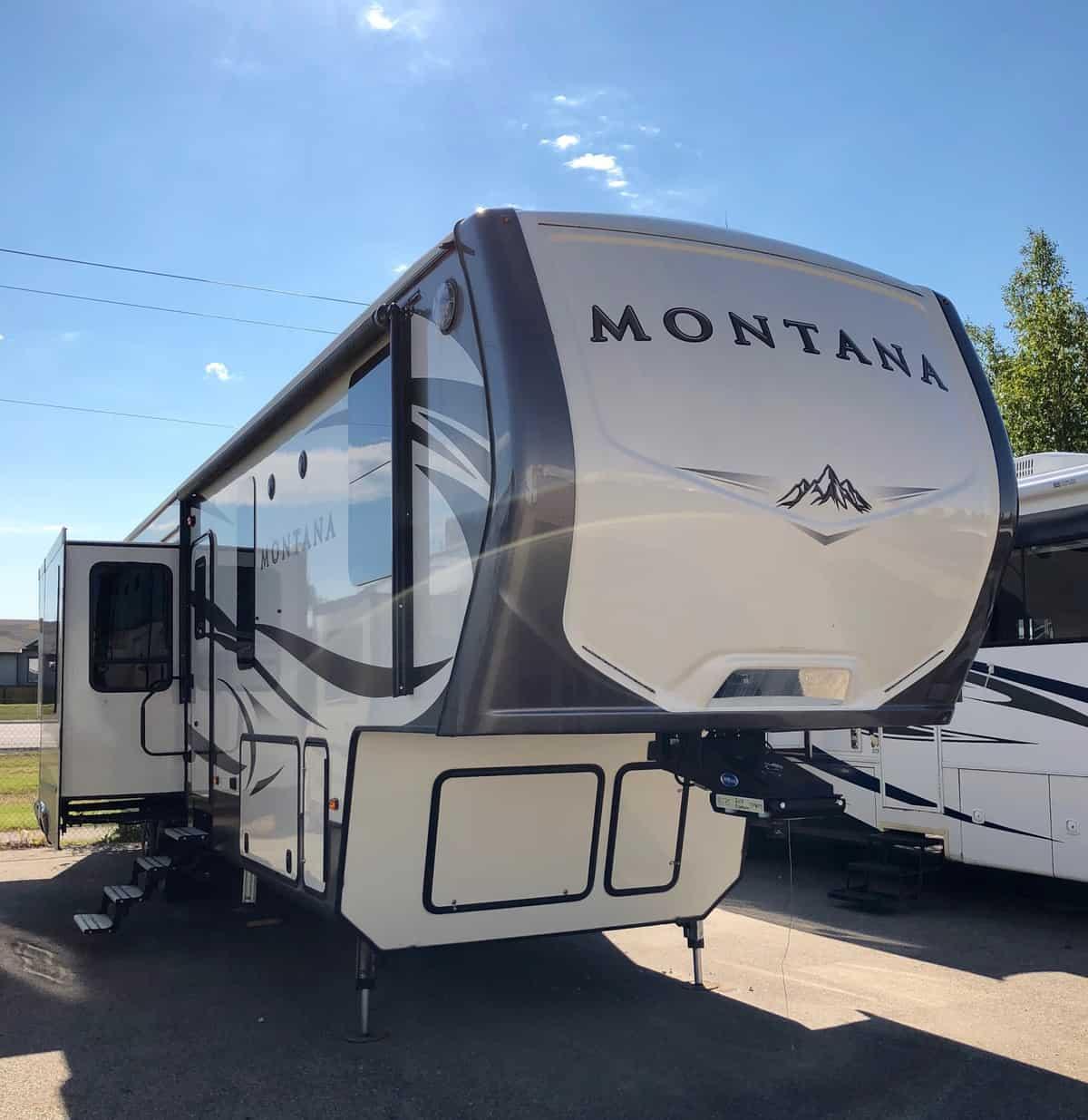 NEW 2017 Keystone MONTANA 3790 RD