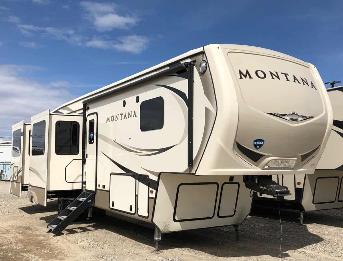 NEW 2018 Keystone MONTANA 3700 LK