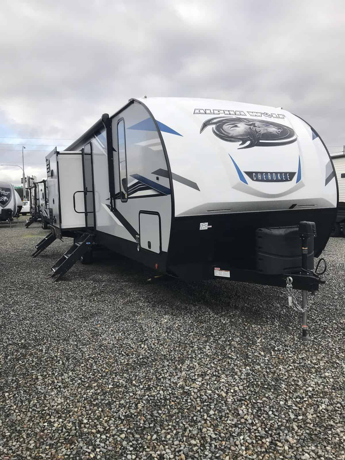 NEW 2021 Forest River Cherokee Alpha Wolf 33BH-L
