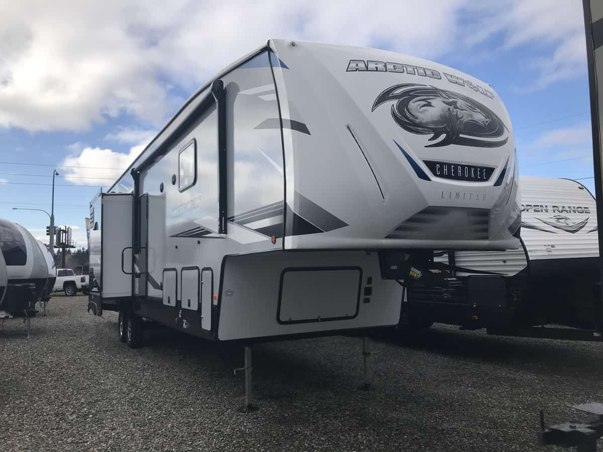 NEW 2021 FOREST RIVER Cherokee Arctic Wolf 3770SUITE